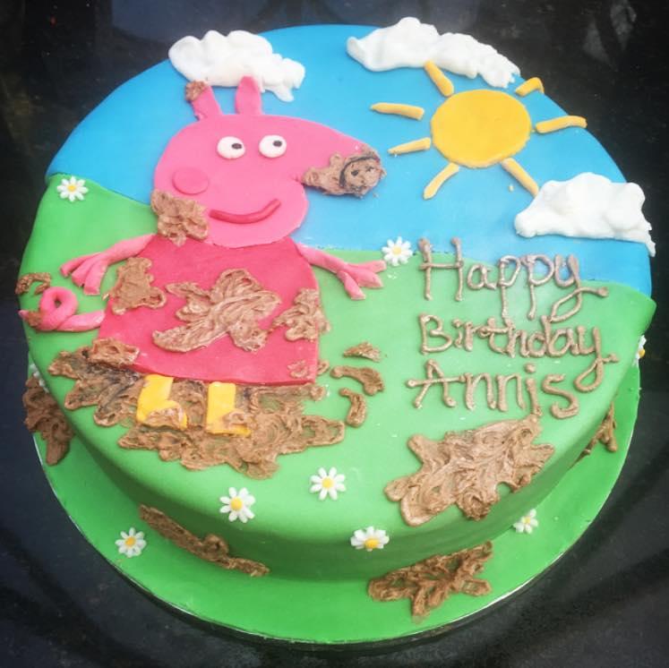 Muddy Puddle Peppa Pig cake