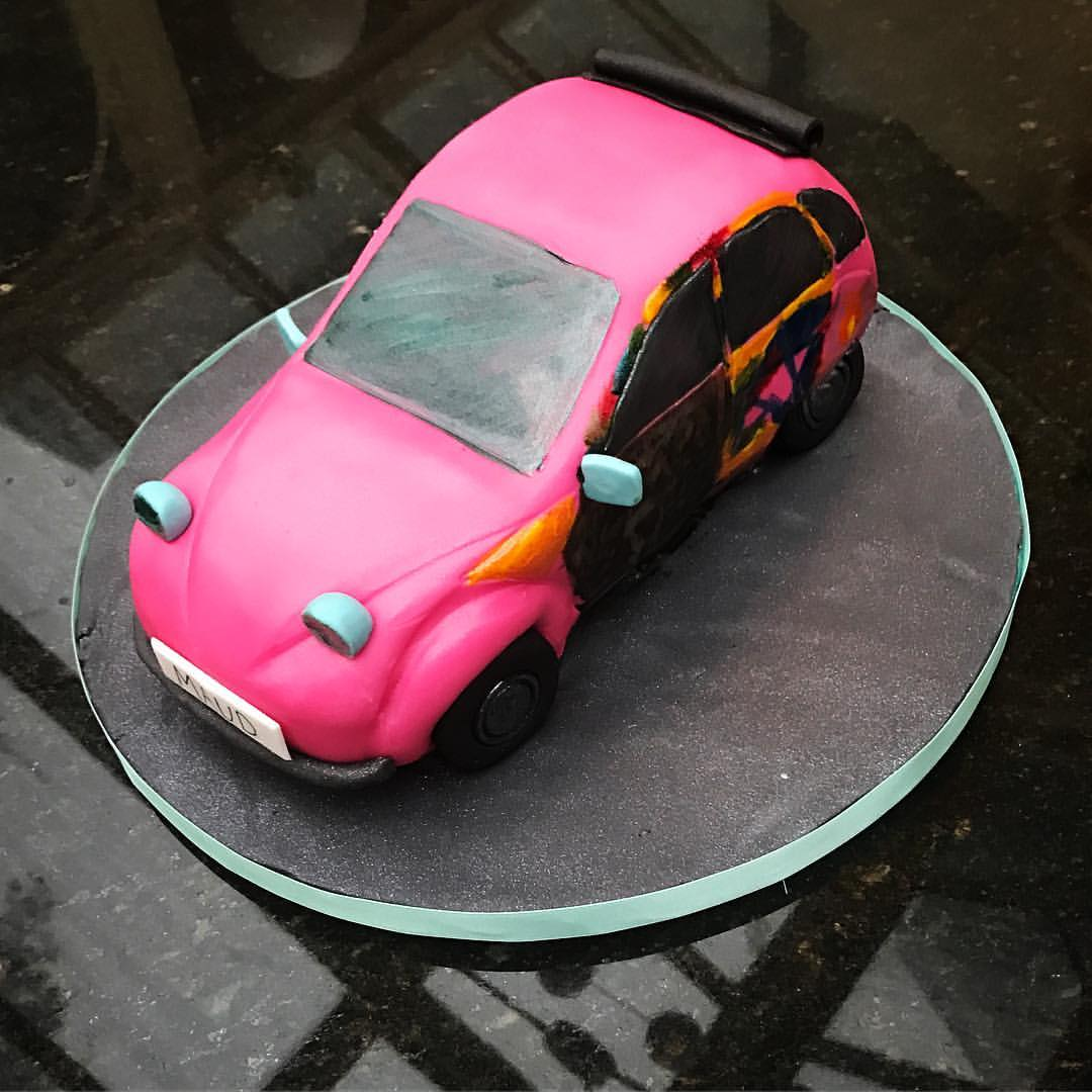 Citroen 2CV Cake