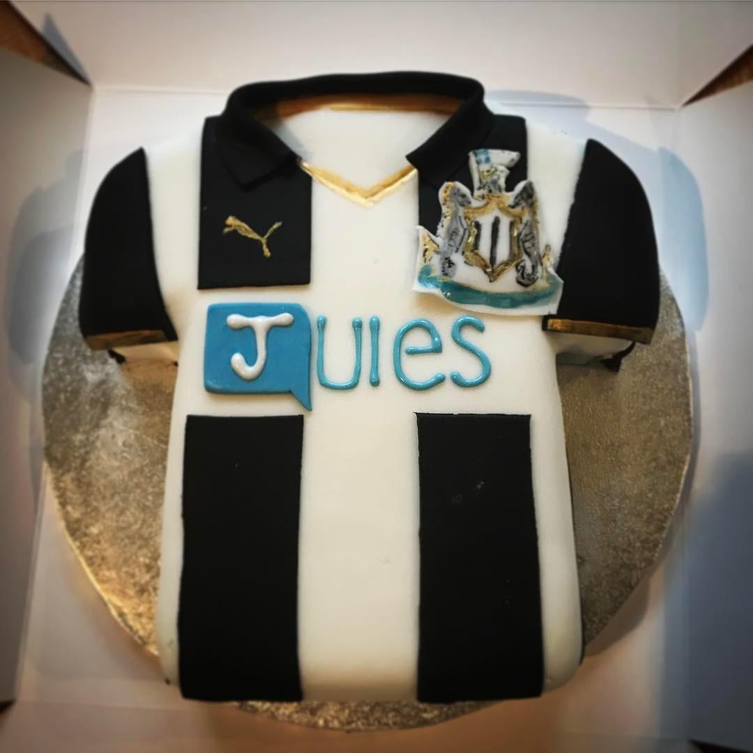 Newcastle Football Shirt Cake
