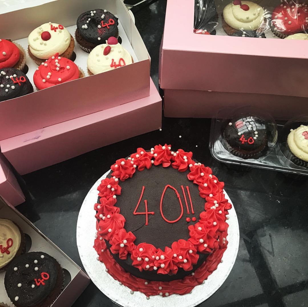 Simple Birthday Cake & Cupcakes.