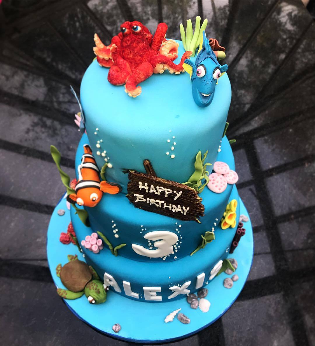 Finding Dory Themed Cake.
