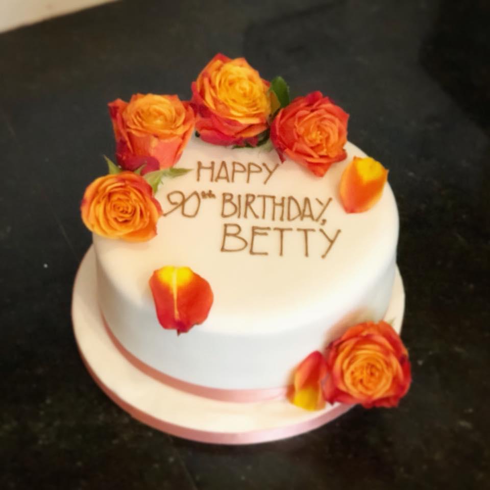 Fresh Roses Birthday Cake