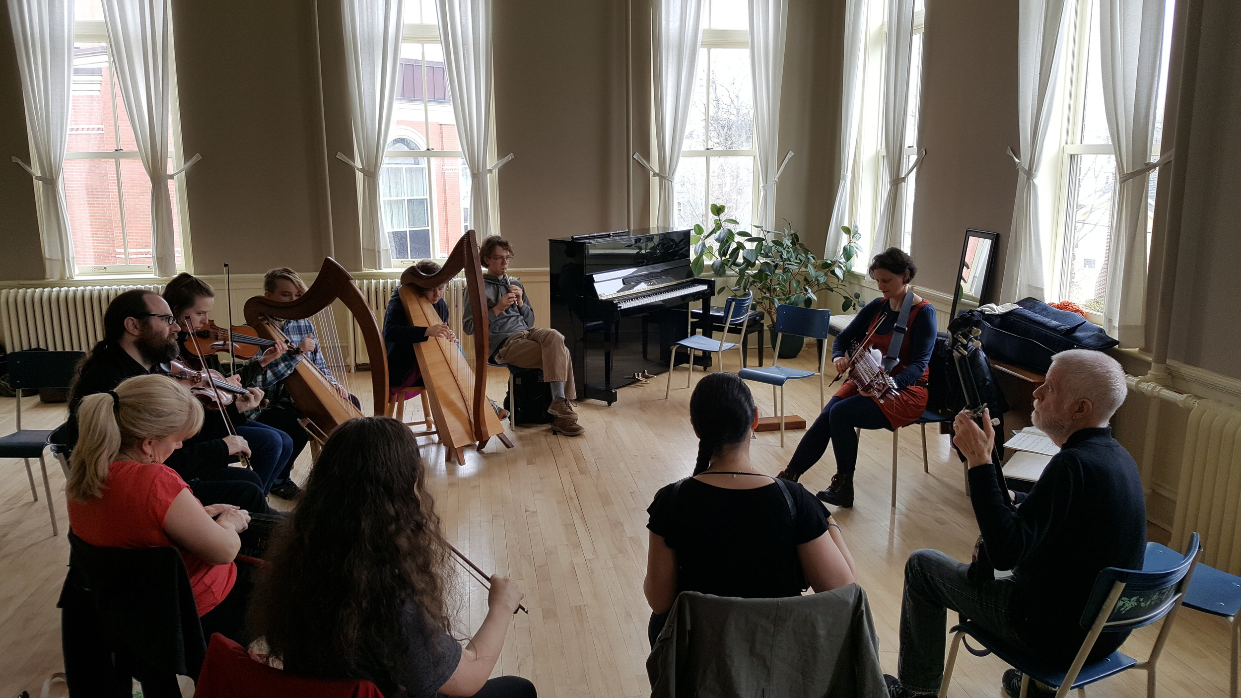Class on traditional Swedish tunes with guest instructor Kirsty Money on nyckelharpa, Apr. 28, 2019.