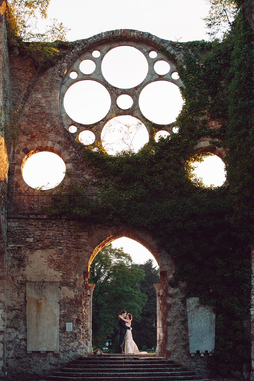 Photos de couple à Abbaye des Vaux de Cernay  photo de GuillaumeN