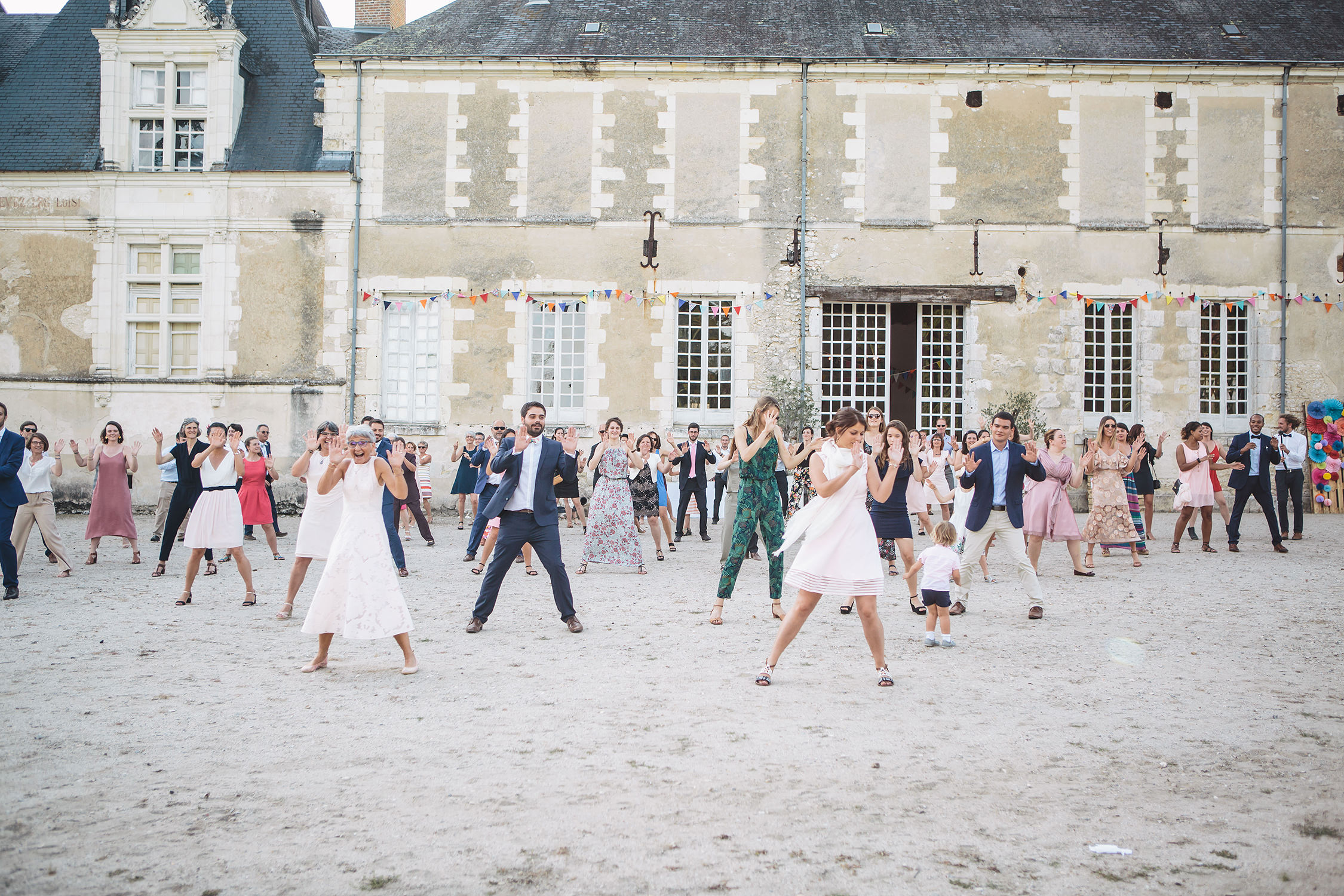 Flashmob mariage au chateau de Villesavin
