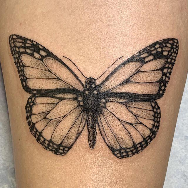 Monarch on a thigh. Thank you Kiersten! 🦋🦋🦋