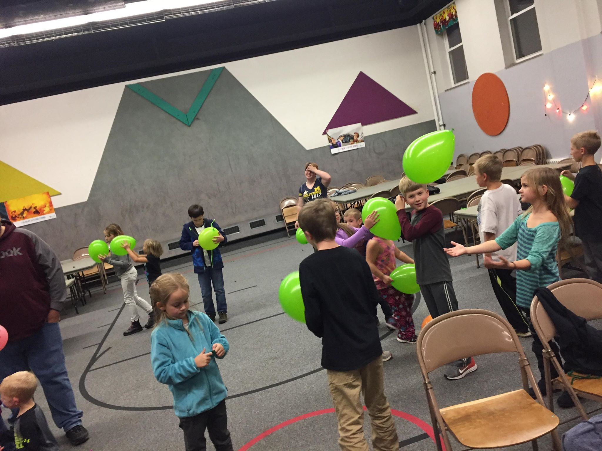 We're learning that God shows mercy even when we don't. It can be easy to hold grudges against others instead of showing mercy, but holding grudges doesn't solve anything. It actually makes things harder for you and others around you. Our next game will show you what that's like.  The kids worked together to keep all the balloons in the air.