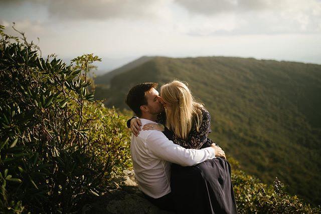 These views never cease to amaze. . . . @heather.allen93  #southernbride #southernwedding #Ido #isaidyes #engaged #weddinginspiration #weddingstyle #weddingdesign #bride #wedding #celebration #SouthernCelebrations #weddingtrends #destinationwedding #weddingplanning #weddinginspo #bride #groom #bridal #doublewindsorphotography #doublewindsorbrides #theknot #firstlook #nashville #tenessee #nashvillephotographer