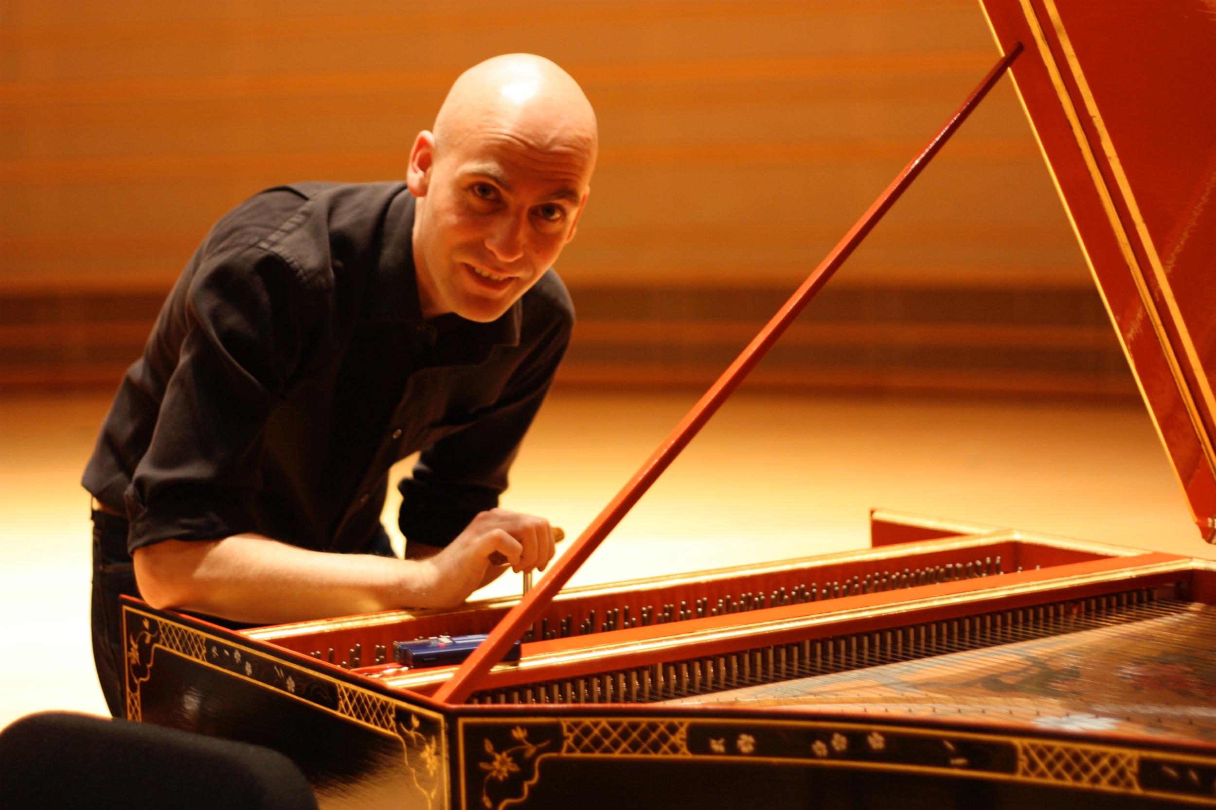 Erin Helyard & harpsichord.jpg