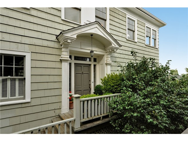 E Newton Street, Seattle   Sold for $1,130,000    Represented the Buyer   5 BD | 3 BA | 102 DOM
