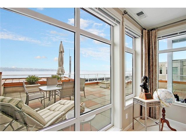 Alaskan Way, Seattle   Sold for $1,150,000    Represented the Seller   2 BD | 1.75 BA | 263 DOM