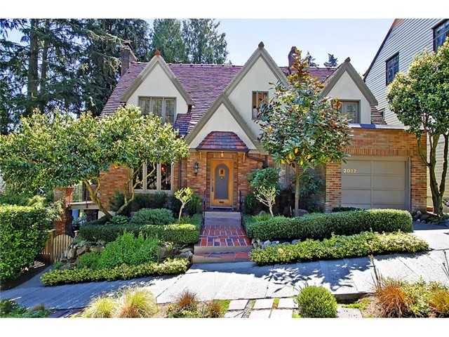 19th Avenue E, Seattle   Sold for $840,000    Represented the Seller   3 BD | 2.25 BA | 3 DOM