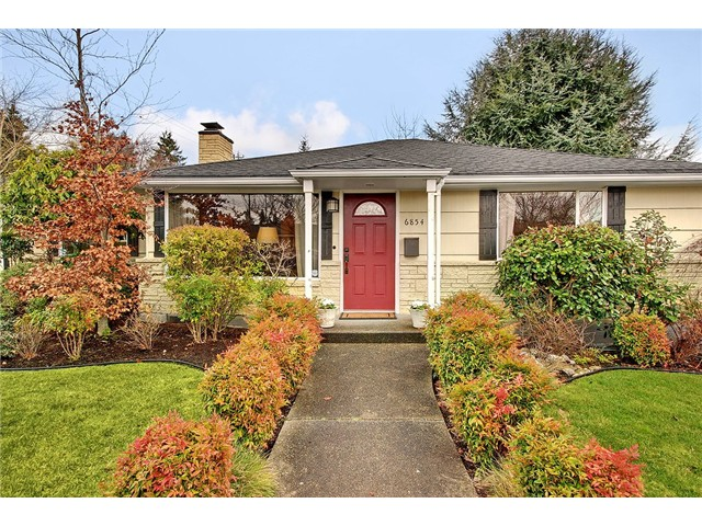 42nd Avenue NE, Seattle   Sold for $503,100    Represented the Buyer   2 BD | 1.75 BA | 20 DOM