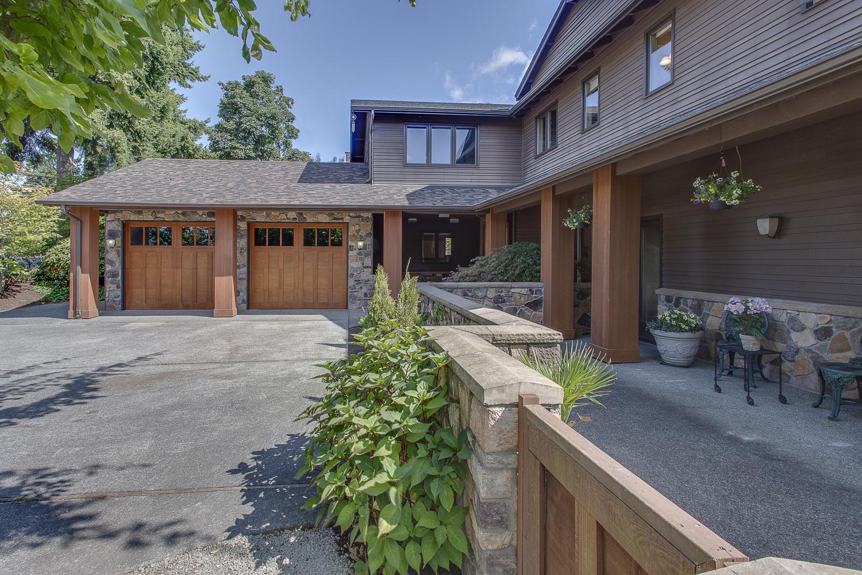 2250 82nd Avenue SE, Mercer Island                 Sold for $1,575,000   Represented the Seller   5 BD | 4 BA
