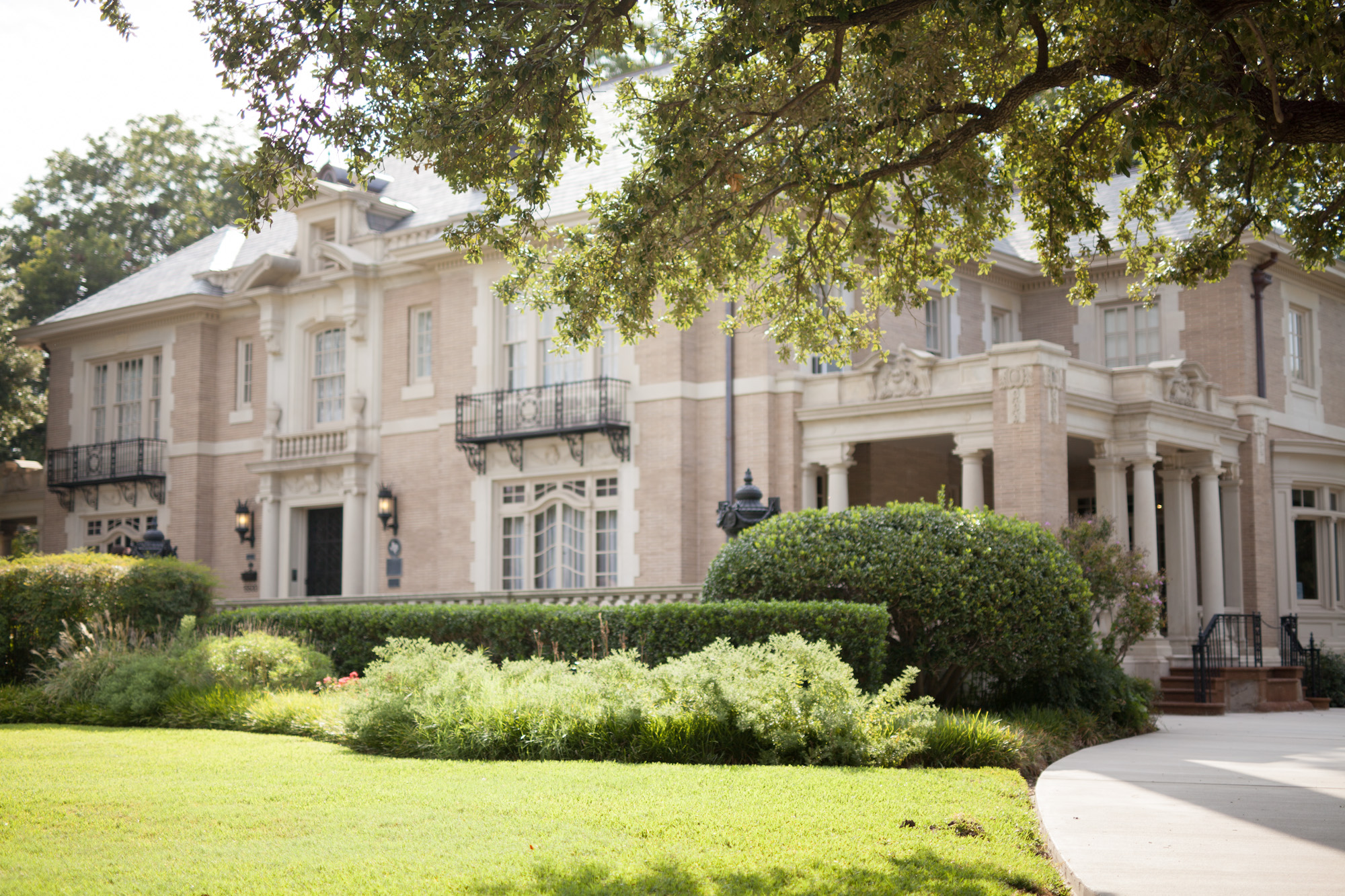 Sunday Brunch at  The Aldredge House  ::  Photo taken by  j.noel photography