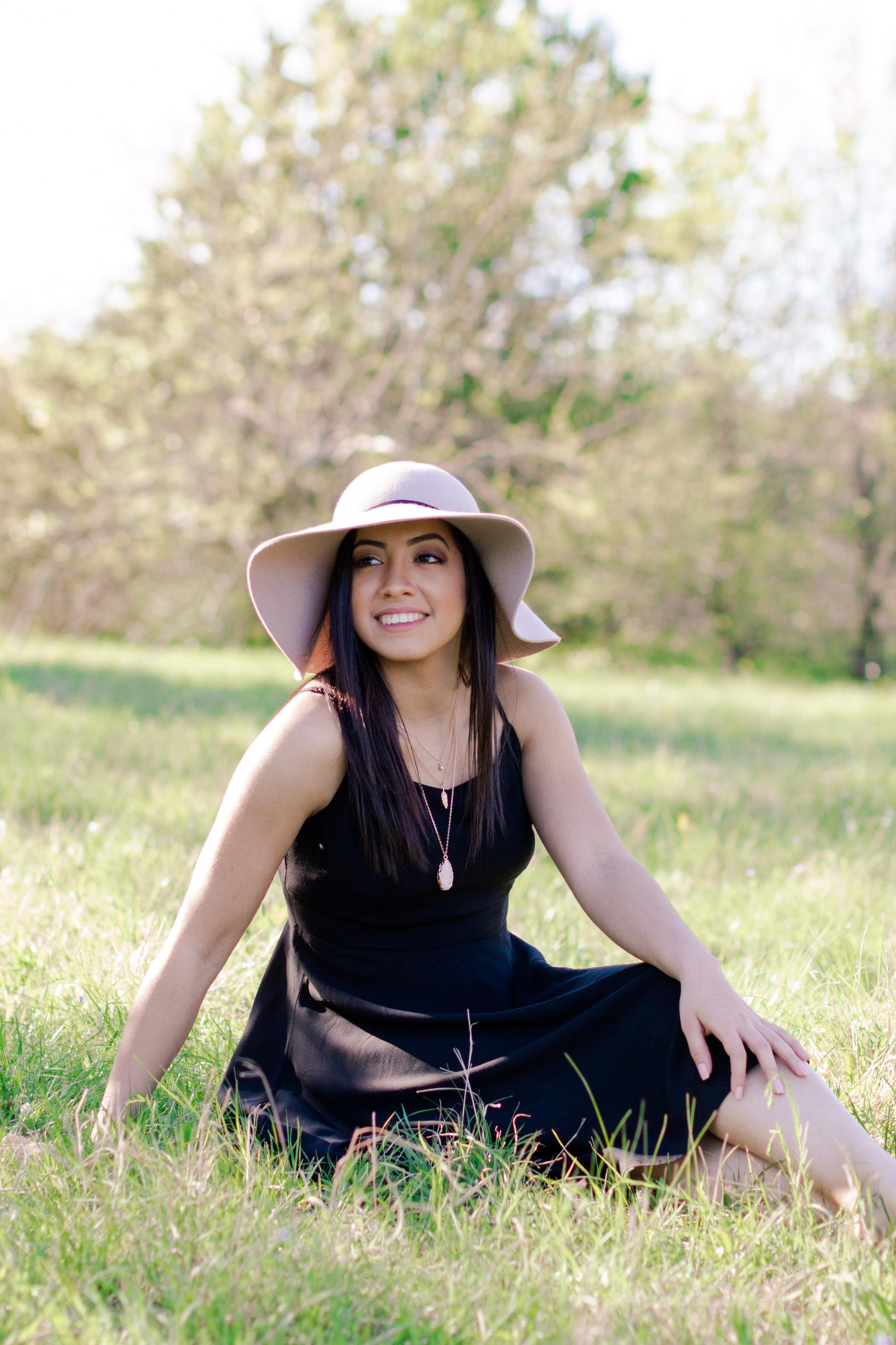 JuliaSenior_JanetRCavePhotography-051.jpg