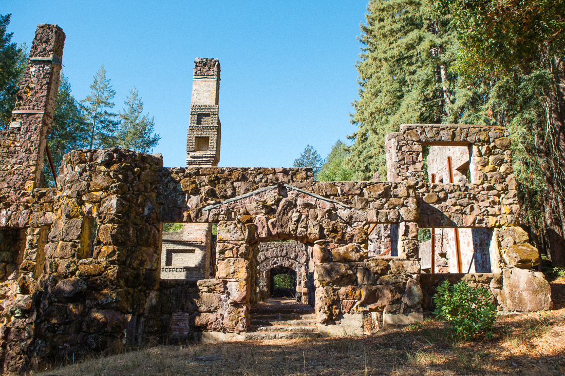The famous Jack London Wolf House. He didn't even get to live in his mansion before it burned down. Too bad, just the ruins of this place are superimpressive.