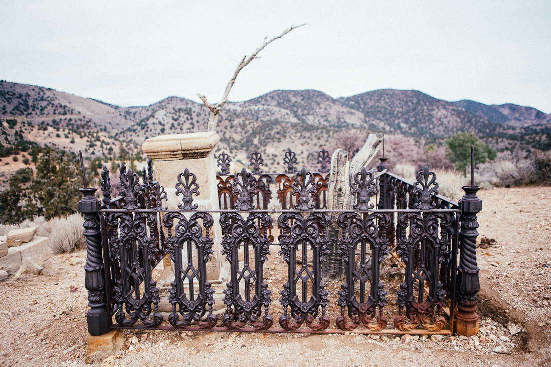 This grave's fence was amazing.  Even in the Wild Wild West they still had great technology.