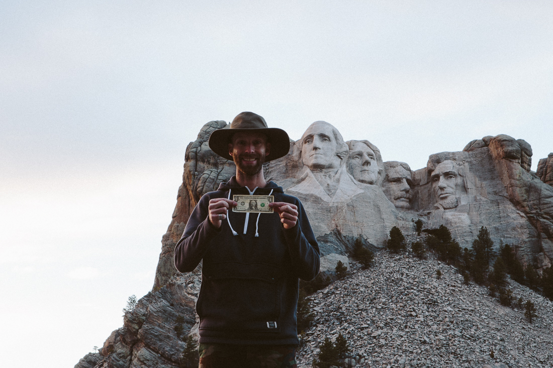 Nearby was another famous monument, so I cruisedto pay respectto those dead presidentz. ...only had a buck tho.