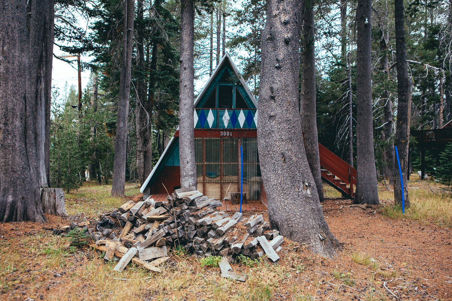 There's always been something about A-frame cabins that I've been attracted to. I went on a little search, actually a detailed hunt in the area to find and document them.This one, I want so bad.
