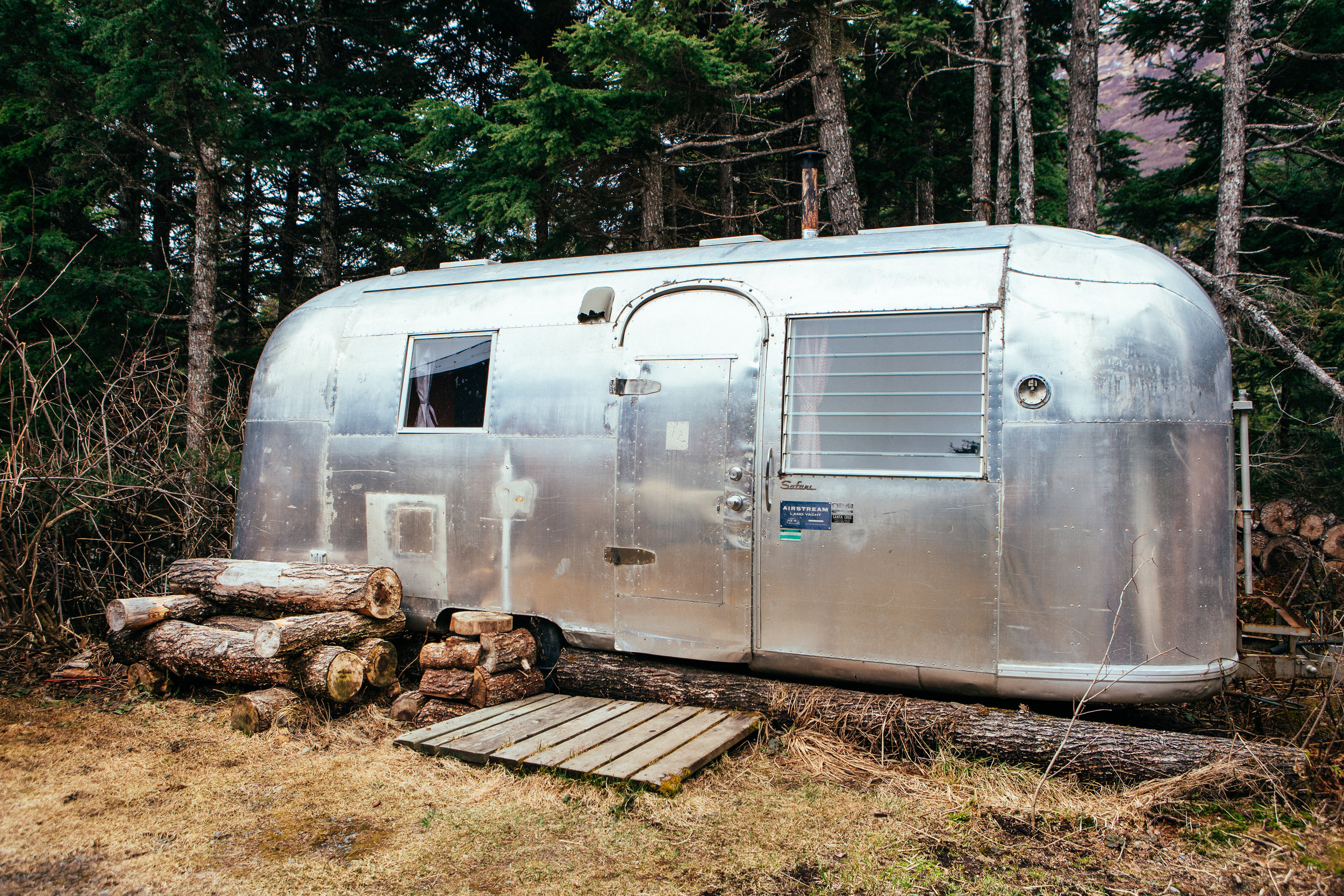 They set me up in their guest apt, a vintage Airstream Land Yacht!