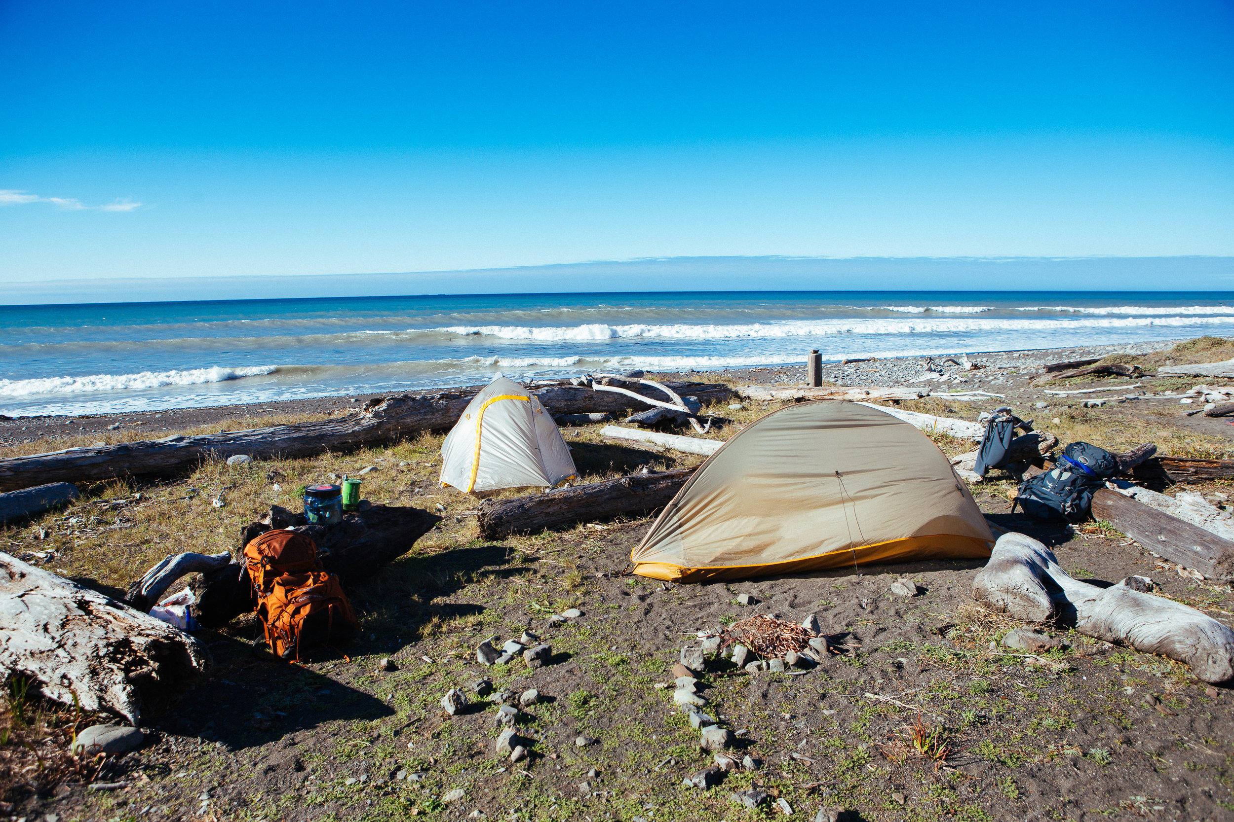 Woke up like dis. (Pretty stoked on my gear; tent is the Big Agnes Fly Creek HV UL2 & pack is the Osprey Aether AG 60)