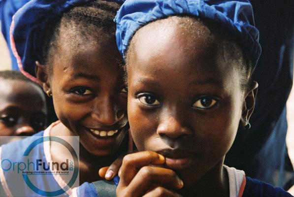 55 blue school girls Siera-Leon.jpg