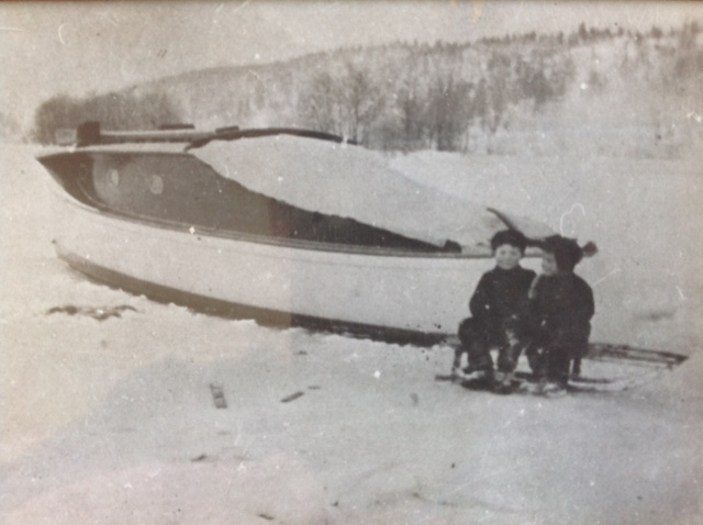 Harold 6 and 4 year old Carl Halvorsen. Helle Norway 1916