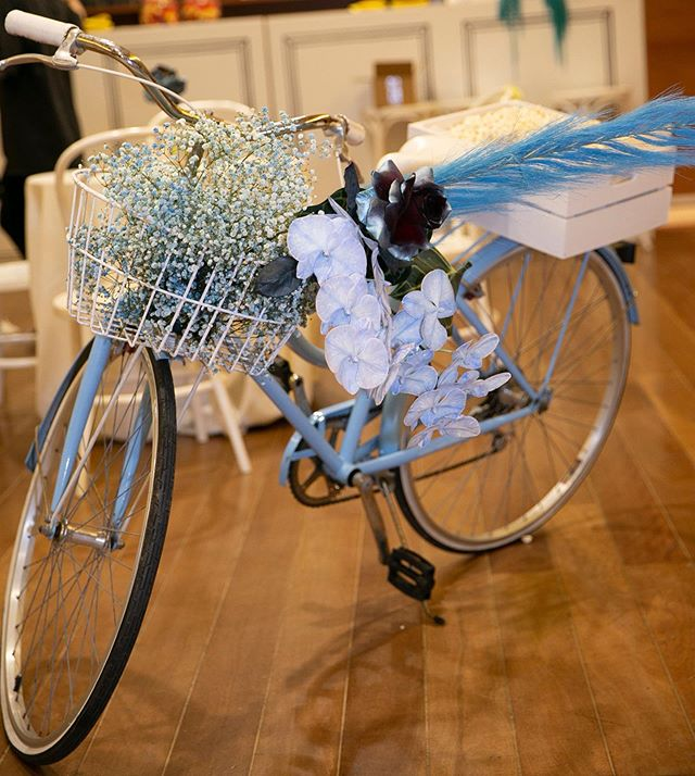 Cruising into the weekend with a themed floral adored bike and a basket full of popcorn 💙 #BNTEvent  Photography @blumenthalphotography . . . . . . . . . . #event #eventplanner #wedding #weddingplanner #bride #bridal #bridetobe #weddinginspiration #weddingday #design #designer #luxury #realbride #Sydney #sydneywedding #sydneyevent #australia #justmarried #instagood #picoftheday #bridetobe2019