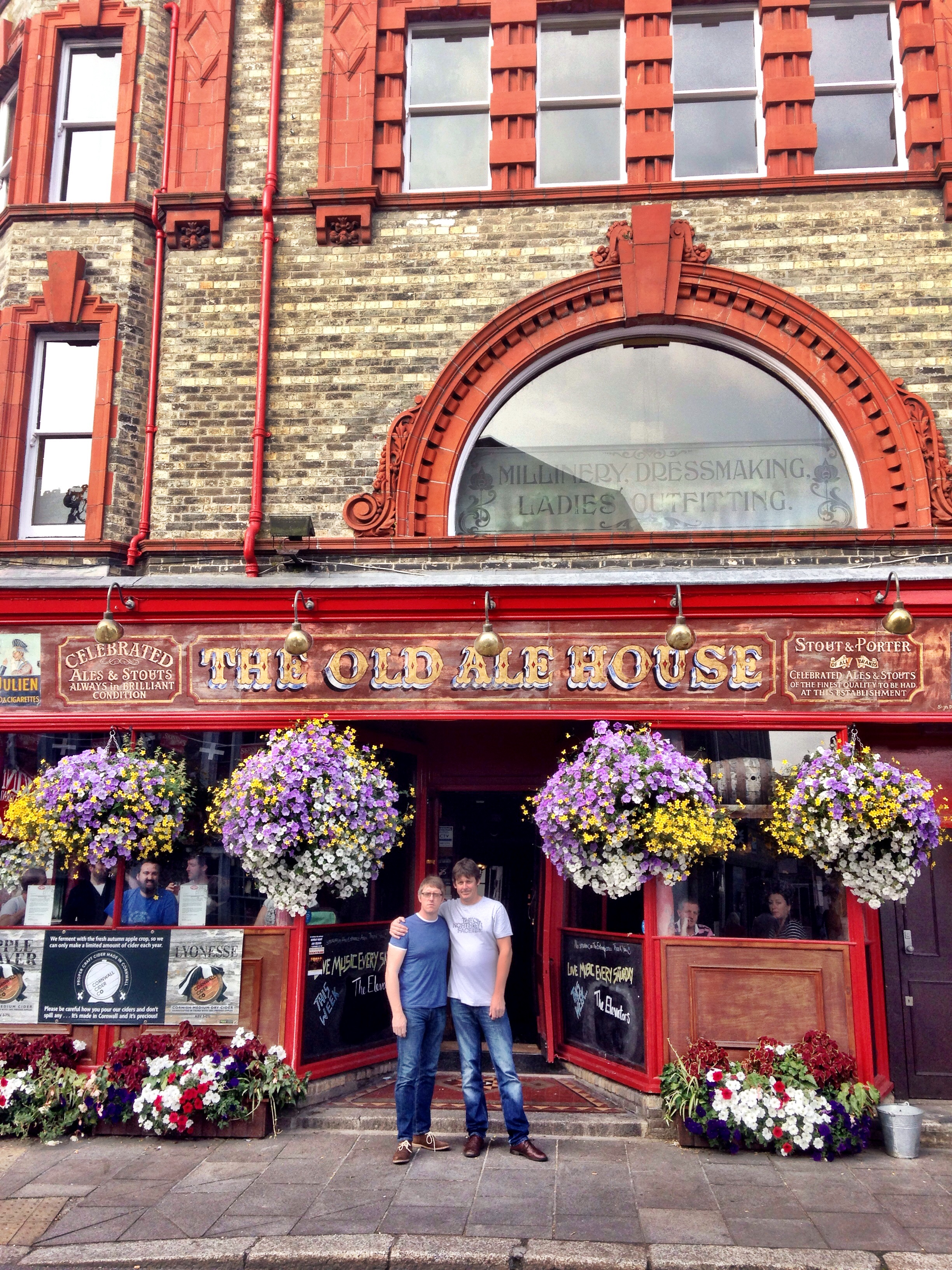 L-R: Neil Bullock (Drums), Richard Hammond (Bass) enter the (Ye?) Old Ale House in Truro. Sawdust on the floor too.