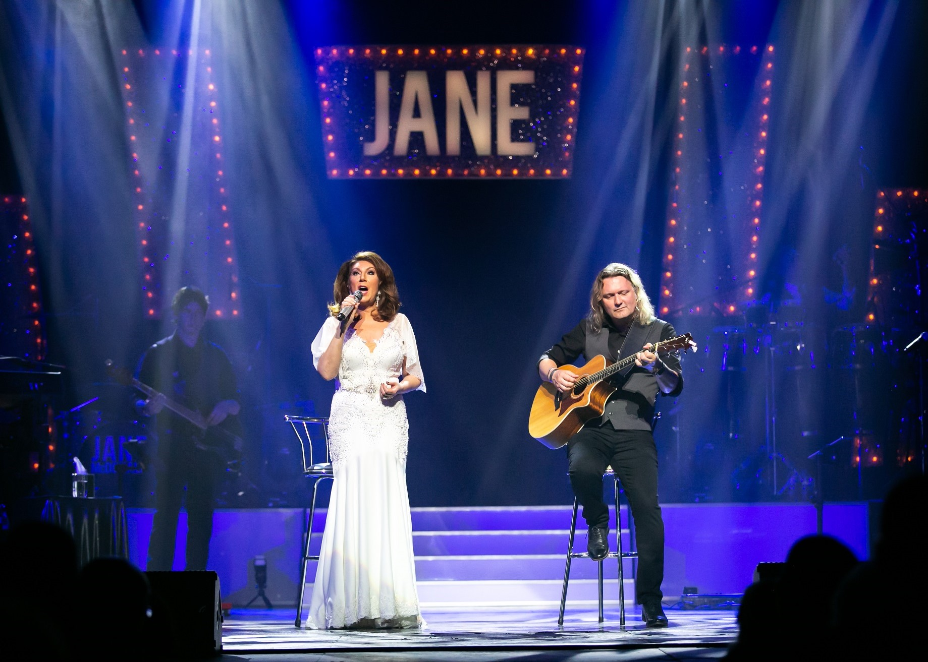 "Jane McDonald, Celebrate 20 UK Tour, ""I'll Be There"""