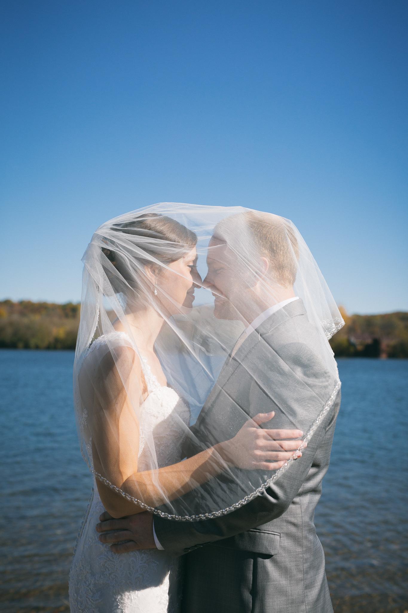 chattanooga-wedding-photographer-inimate-beautiful-tennessee-10.jpg