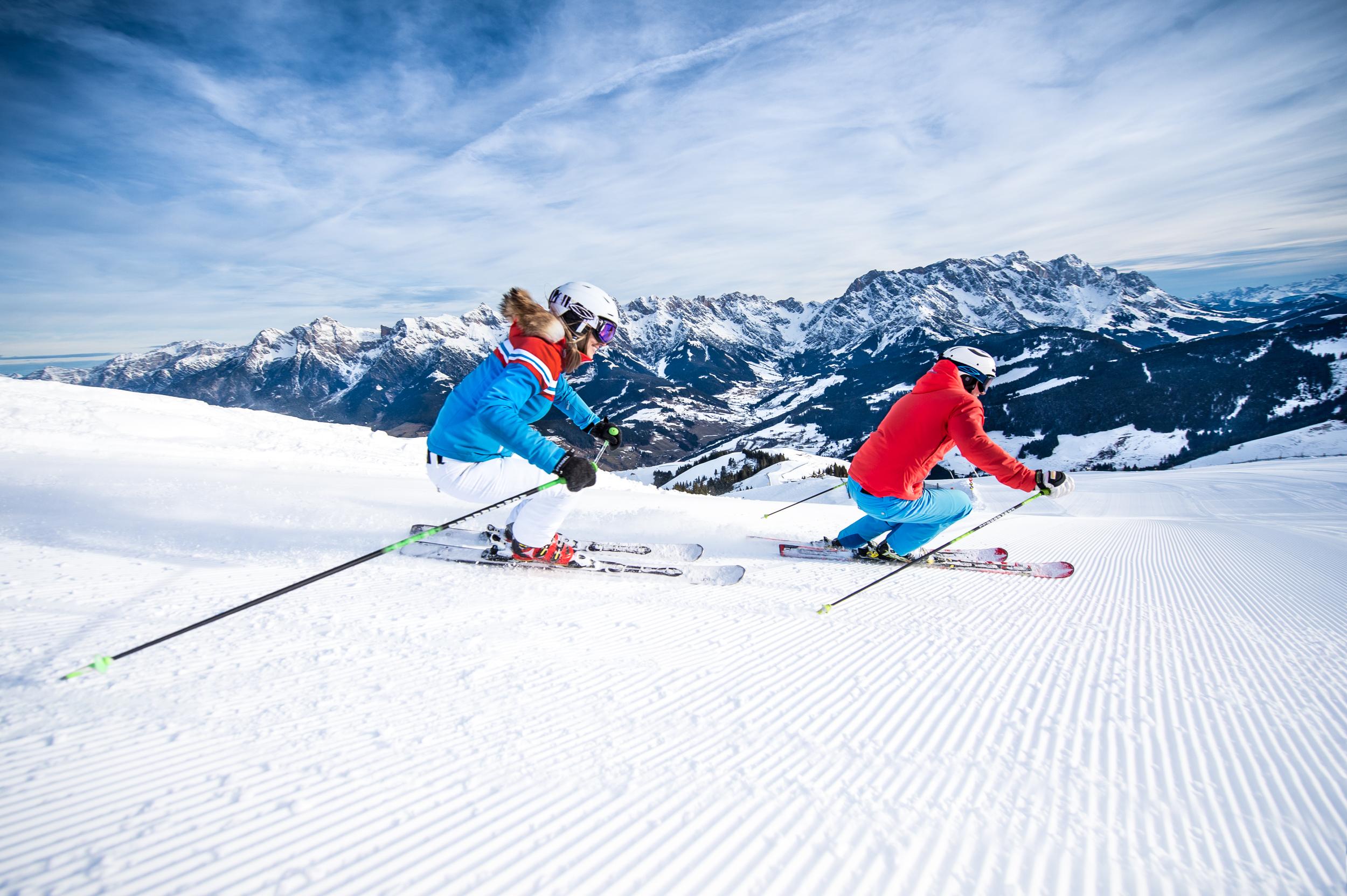 Skifahren und Langlaufen  Die Region Hochkönig bietet alles, was man für einen unvergesslichen Skitag braucht.33 top moderne Liftanlagen, 120 nahtlos verbundene Pistenkilometer -ihr könnt direkt von unseren Hütten und Chalets aus starten und seid mitten drin!Mit 40 Loipen-km kommen Langläufer in der Region Hochkönig nicht zu kurz. Ob Skating oder klassisch, auf den Loipen in Maria Alm, Hinterthal, Dienten und Mühlbach könnt ihr vor der faszinierenden Kulisse des Hochkönigs eurer Langlauflust mit voller Leidenschaft frönen. Alle Infos zu den  Langlauf-Loipen  und zu den  Winterwanderwegen   Alle Infos zum Skigebiet   Ski-Tickets online hier