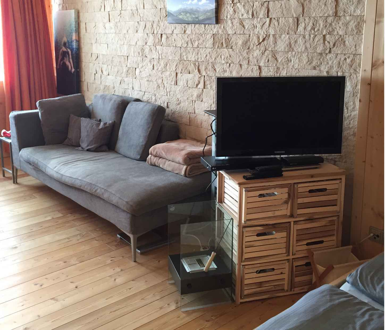 Appartementhaus_Sofa_2.jpg