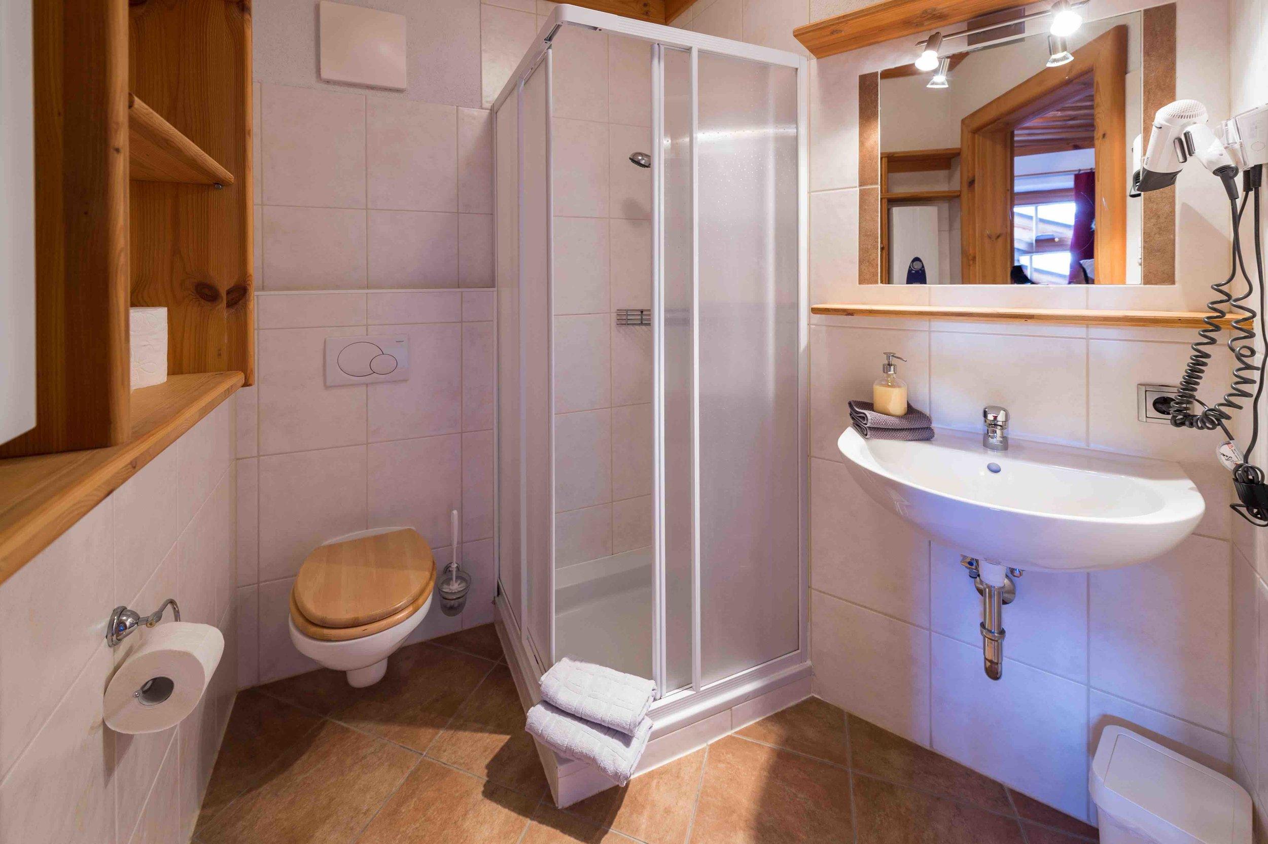 3 Doppelzimmer mit eigenem Bad