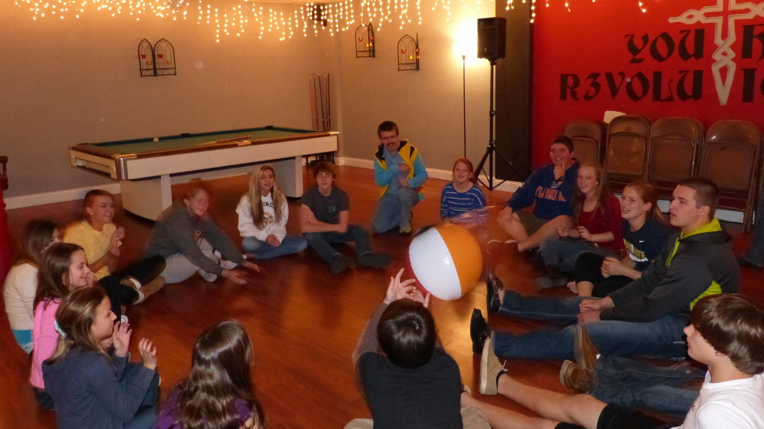 Team Building - Moon Ball 2014 -2.JPG