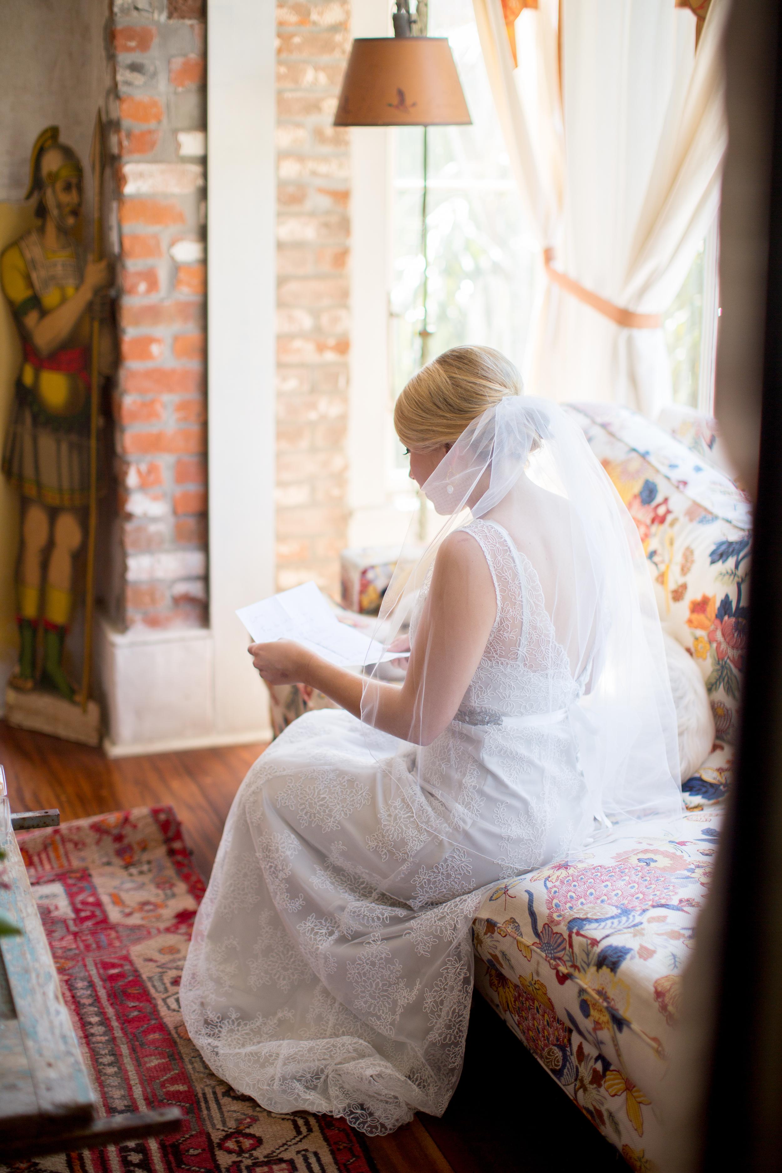 2TPHOTO_WOM_gettingready_girls_letter47.jpg