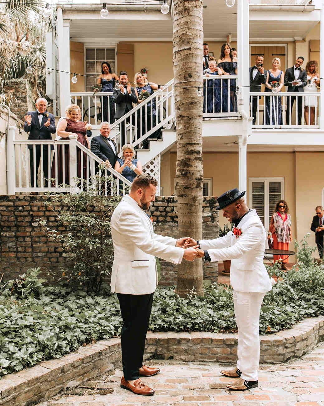 joe-tim-wedding-firstlook-0424-1018_vert.jpg