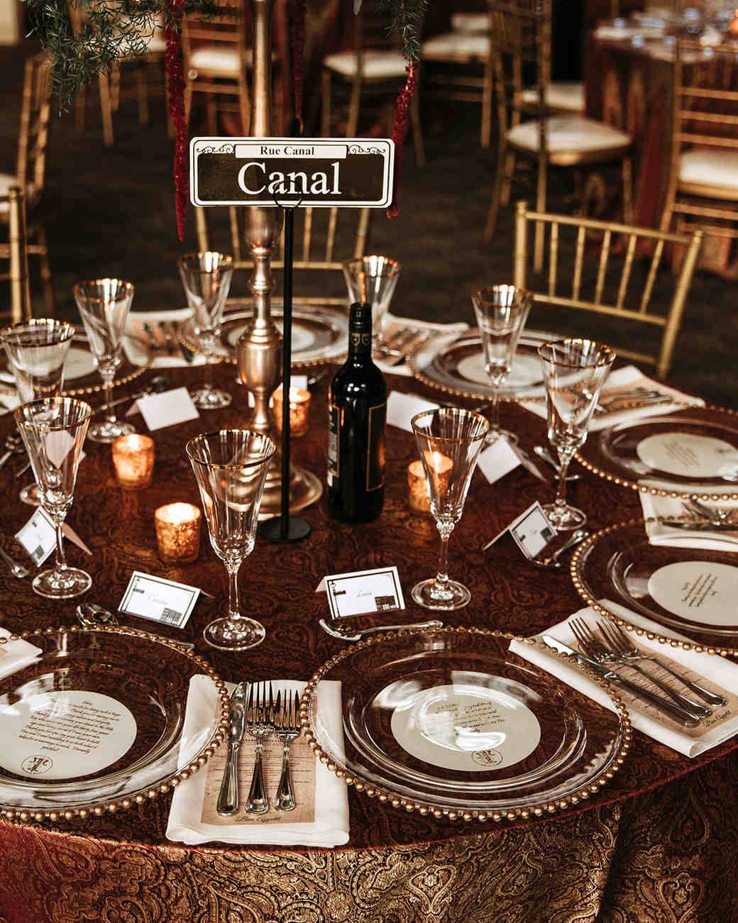 joe-tim-wedding-table-1159-1018_vert.jpg