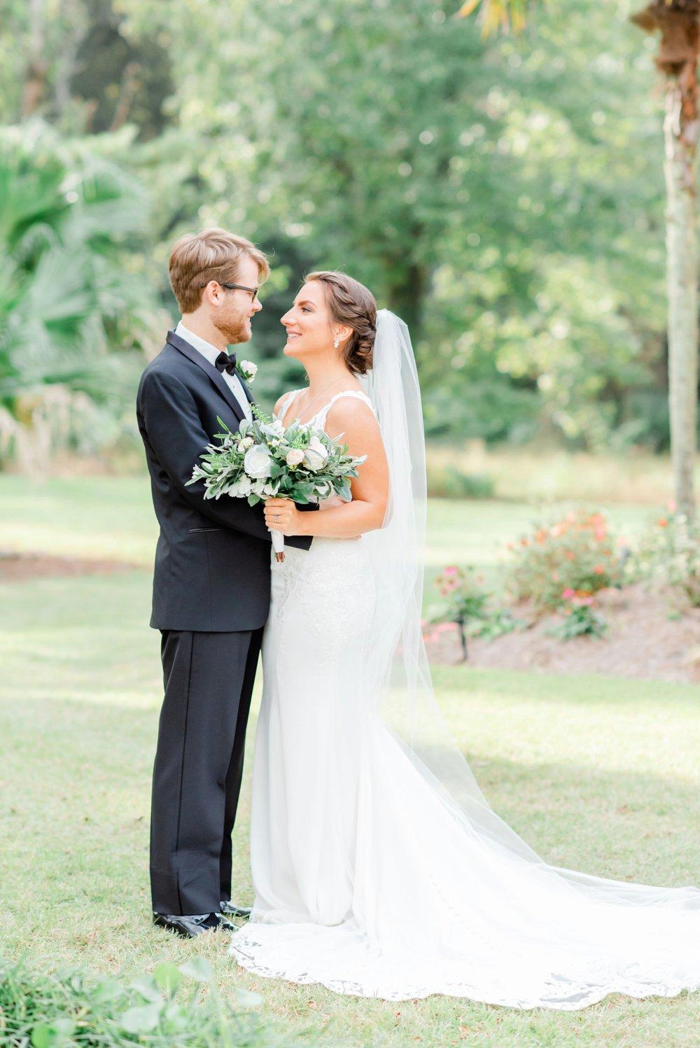 859854aa-blue-and-green-garden-wedding-in-la_0013.jpg