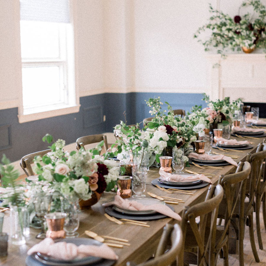 AOF Styled Shoot - A modern floral twist in a historic setting