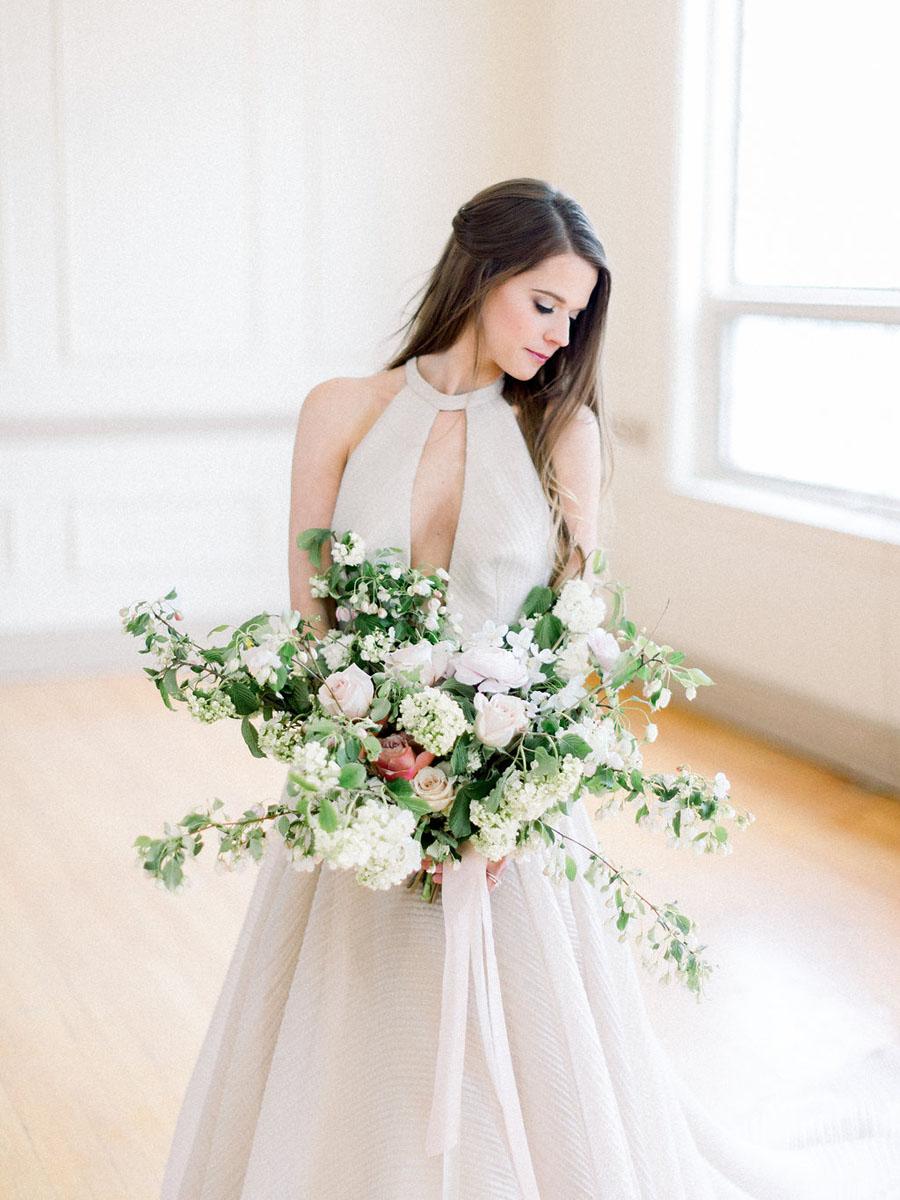 modern-ivory-bridal-gown-inspiration.jpg