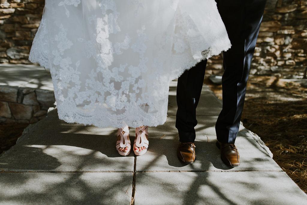 modern-bride-and-groom-inspiration.jpg