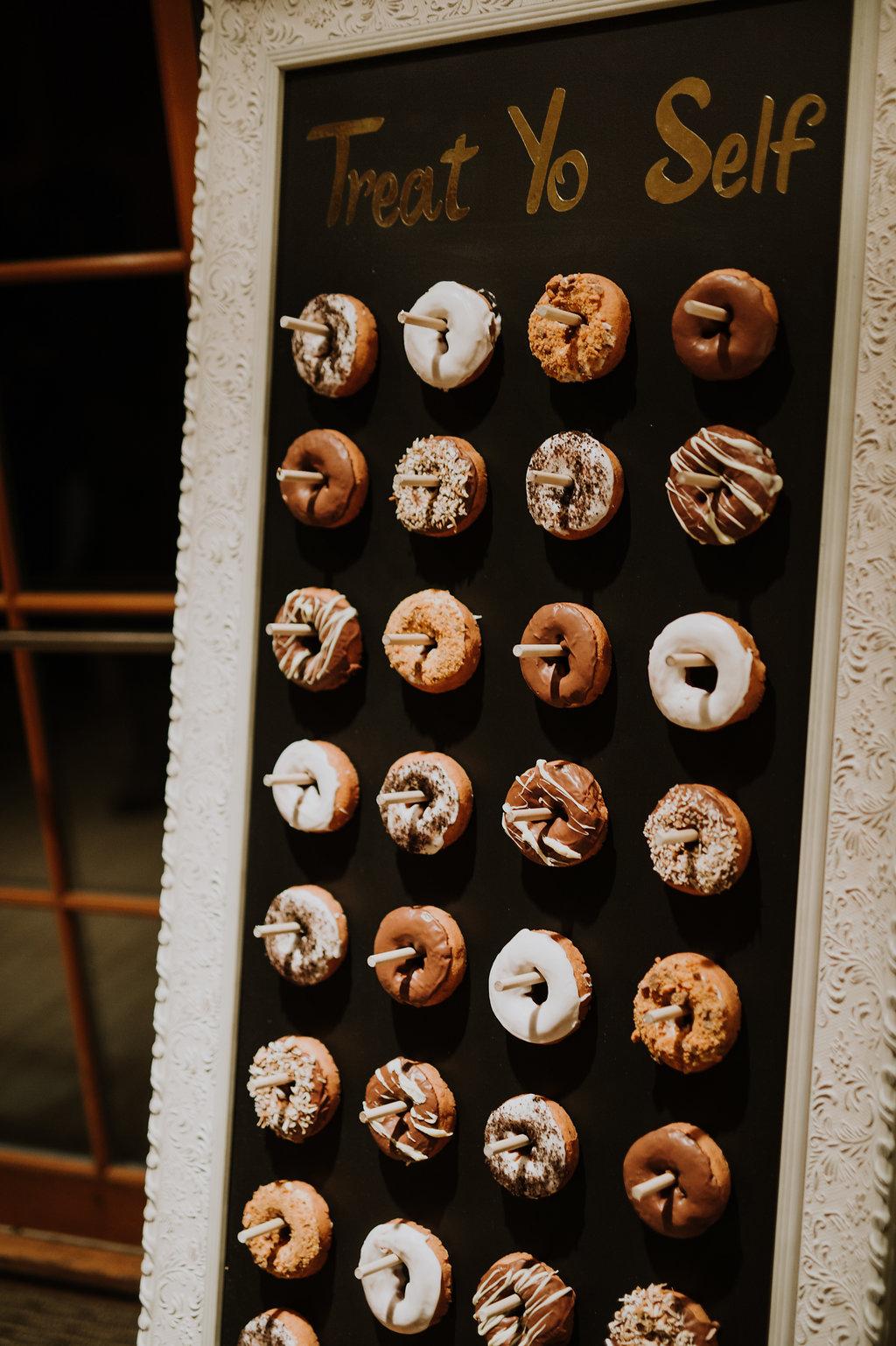 donut-wedding-reception-inspiration.jpg