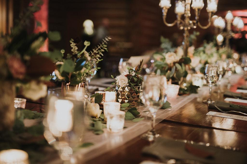 tablescape-inspiration-modern-romantic.jpg