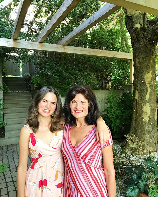 Feeling called to give a shoutout to my EPIC mom, Ulrike Stedtnitz of @stedtnitz.designyourlife 💝 She celebrated a birthday on Friday and I'm so glad that she was born, because that means I got to to pick her as my Mama! ⠀⠀⠀⠀⠀⠀⠀⠀⠀ Not only has this woman raised me in the most beautiful ways, she's also acted as such a strong role model of a woman who is fully embodied in her power. I'm in awe of how she's created and continues to maintain an amazing business. A business that she isn't afraid to constantly innovate, upgrade and shape-shift so that she can support her clients and the world in every way possible. After 30 years she could easily hang out in her comfort zone, but she continues to explore epic and cataclysmic ideas that have the potential to be major game changers. In short, she's awesome 💓🤸🏽‍♀️😍 ⠀⠀⠀⠀⠀⠀⠀⠀⠀ Oh, and if you're on the lookout for an amazing career coach, look no further. This woman literally has YEARS of experience and has worked with over 10,000 clients (yes, crazy but true.) If you're stuck, she'll help ya out 💁🏽‍♀️ ⠀⠀⠀⠀⠀⠀⠀⠀⠀ Love you, Mama 🧡