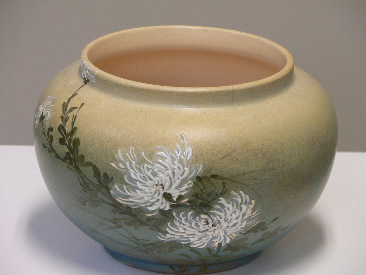 Artist : Fry, Laura Anne   Title : Bowl (Rookwood #95C)   Medium : ceramic   Date : 1885   Credit : Museum Purchase   Accession # : 1984.23