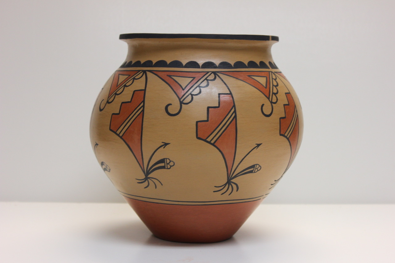 Artist : Ortiz, Ricardo   Title : Jar, large   Medium : ceramic   Credit : Gift of Michael and Mary Hasegawa   Accession # : 2012.09.86