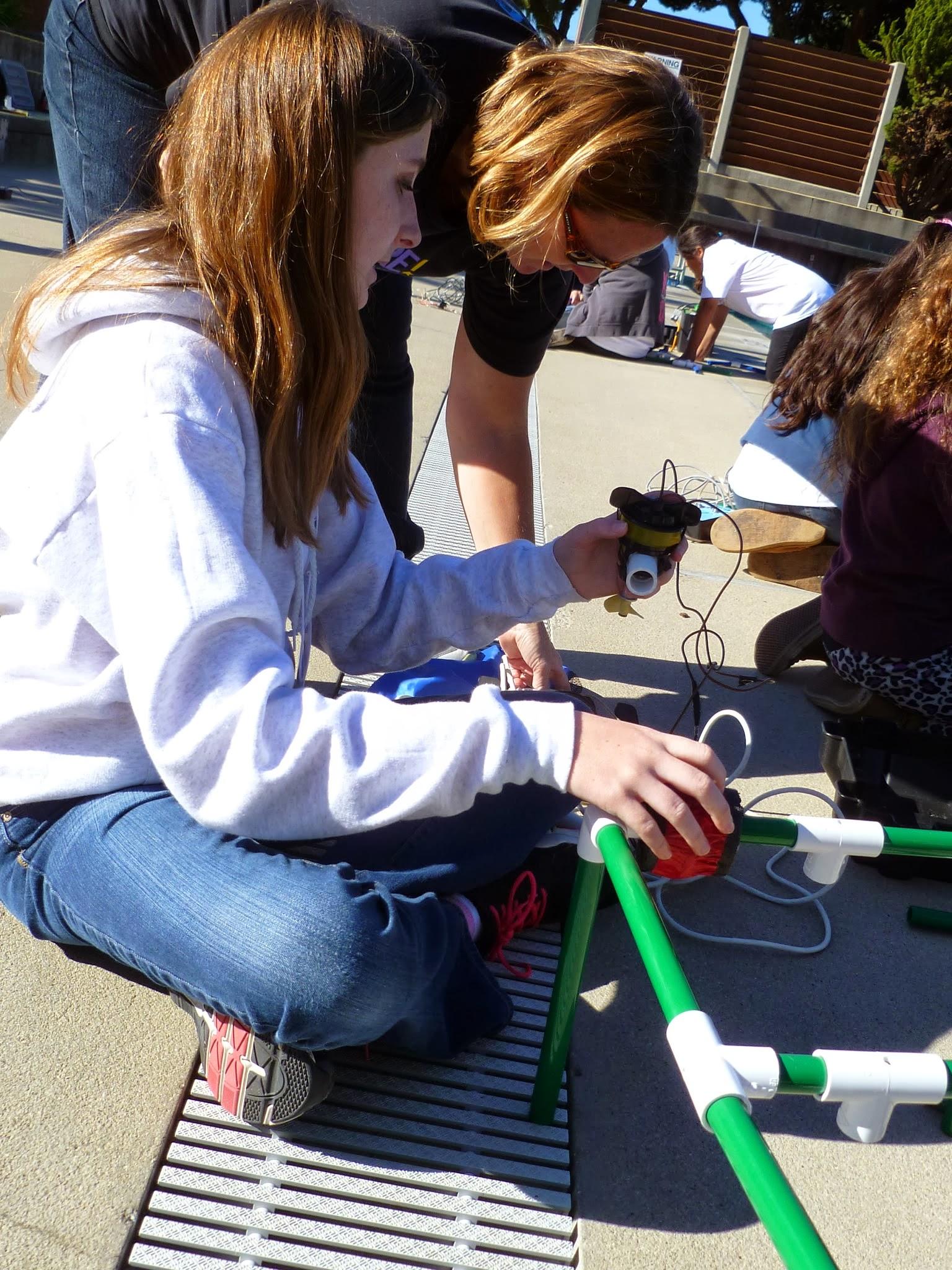 EYH Girls learn underwater robotics