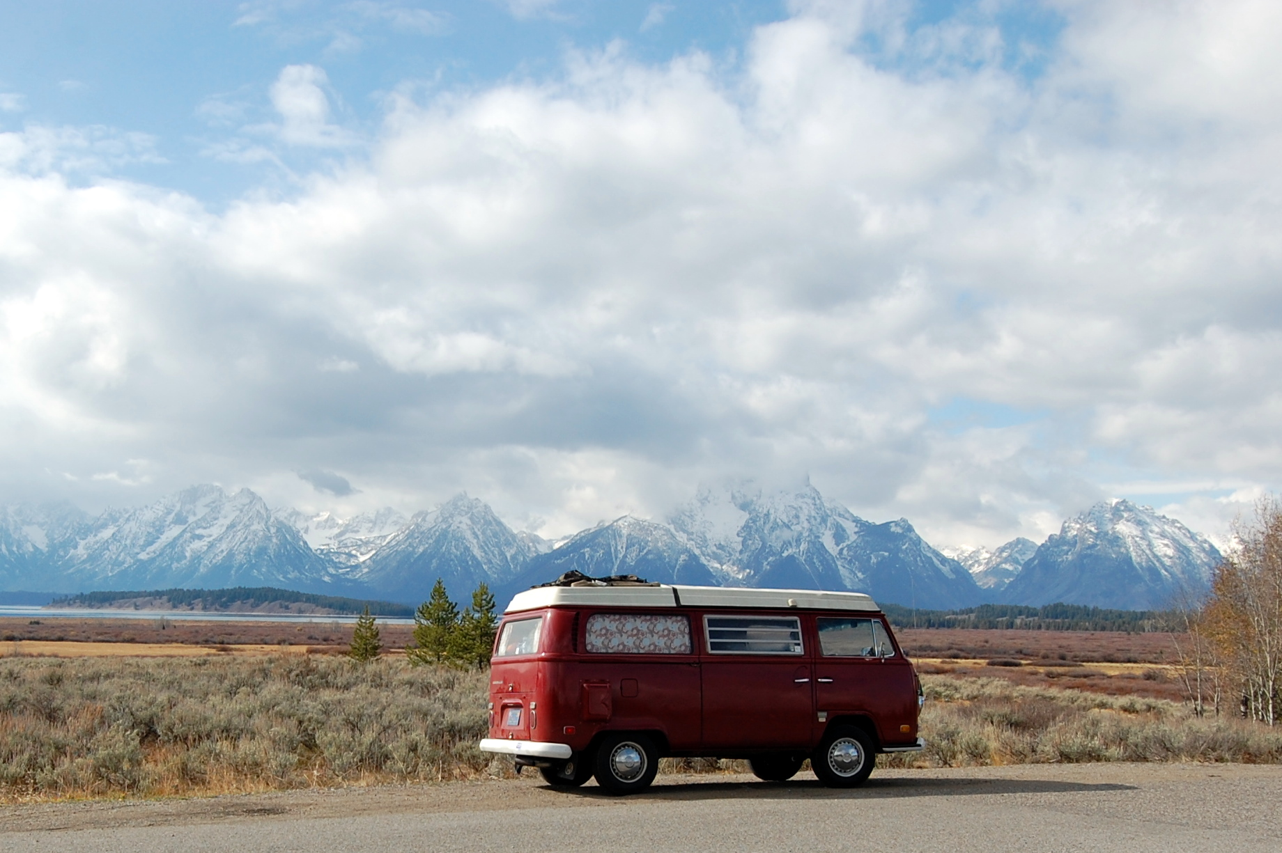 Driving through Yellowstone and the Grand Tetons in Wyoming